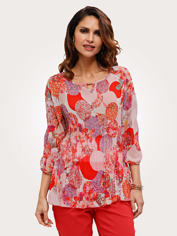 Pull-on blouse with cutout neckline