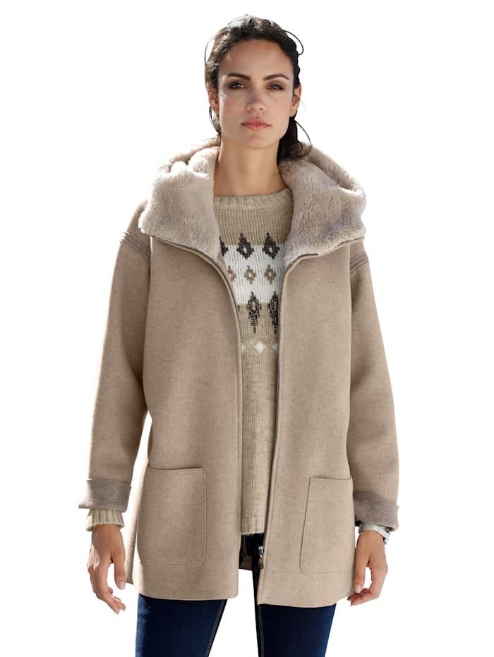 Bunda s kapucí