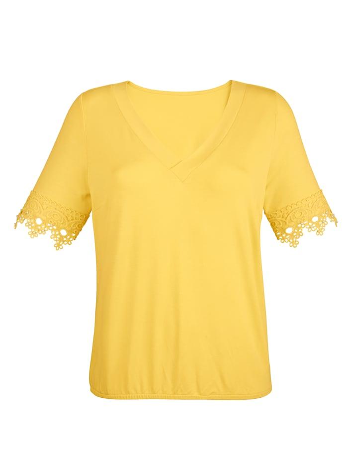 Shirt mit Spitze