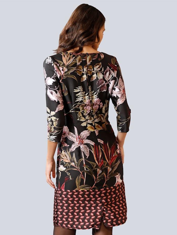 Kleid im ausdrucksstarken Blumenmuster allover