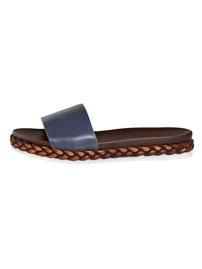 Sandaalit vuohennappaa