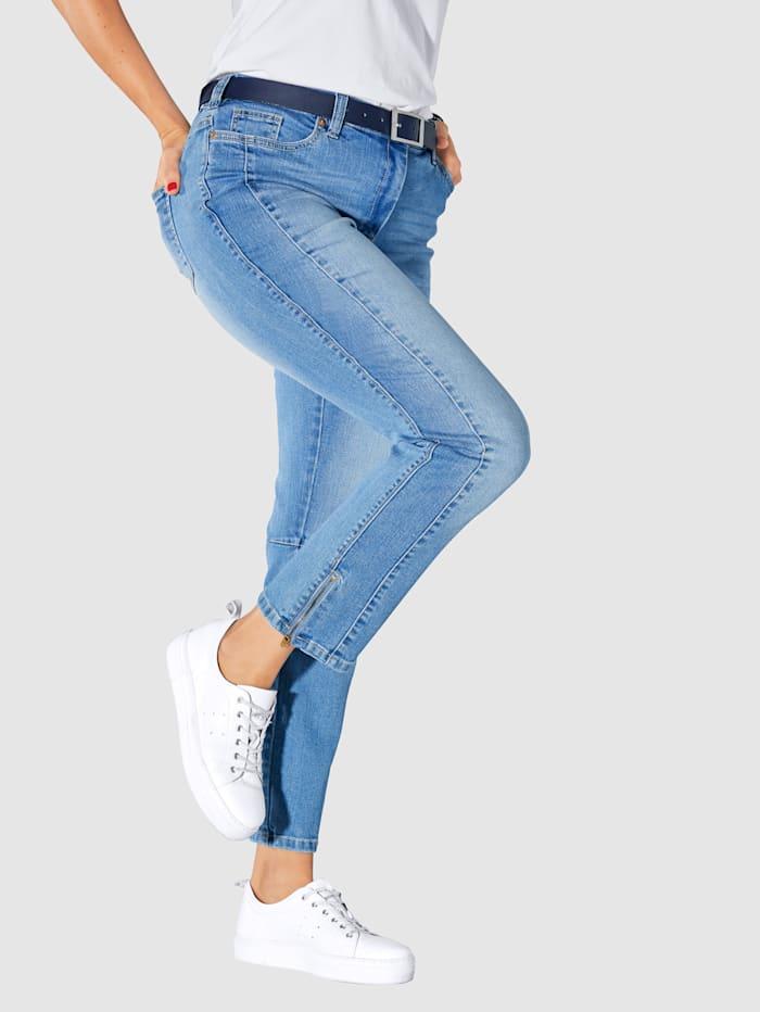 Jeans med dragkedja i benslutet