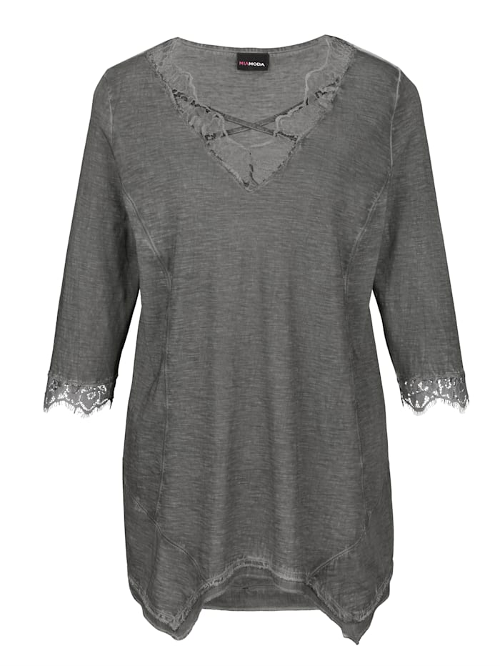 Longshirt mit dekorativer Spitze am Ausschnitt