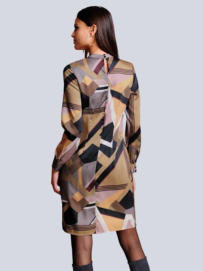 Kleid im ausdrucksstarken grafischen Druck