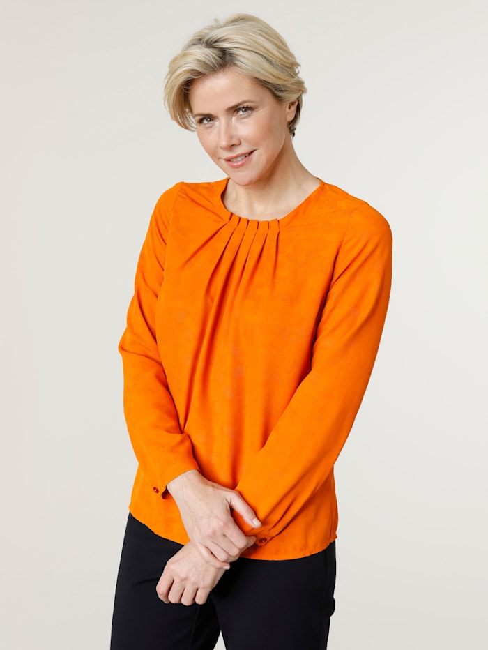 Pull-on blouse made from soft jacquard