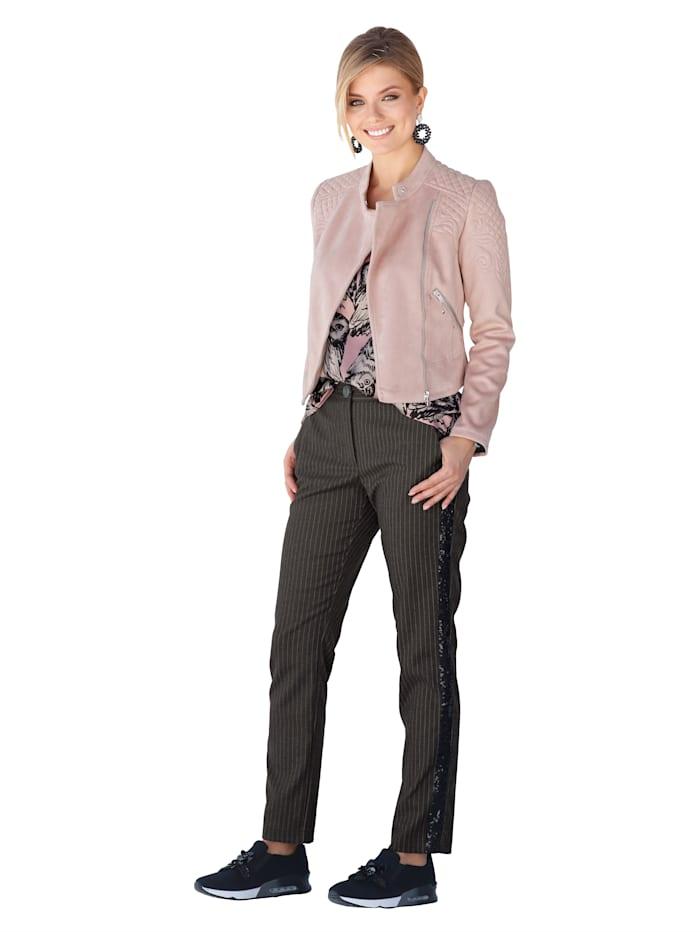 Jacke mit dekorativen Steppungen