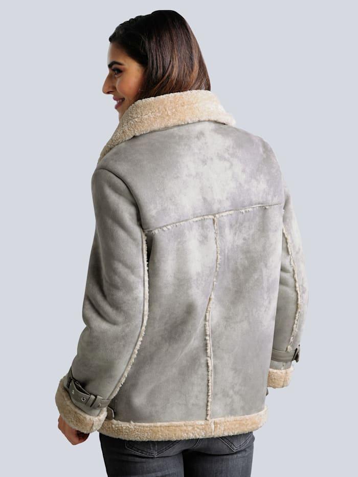 Jacke aus Veloursimitat