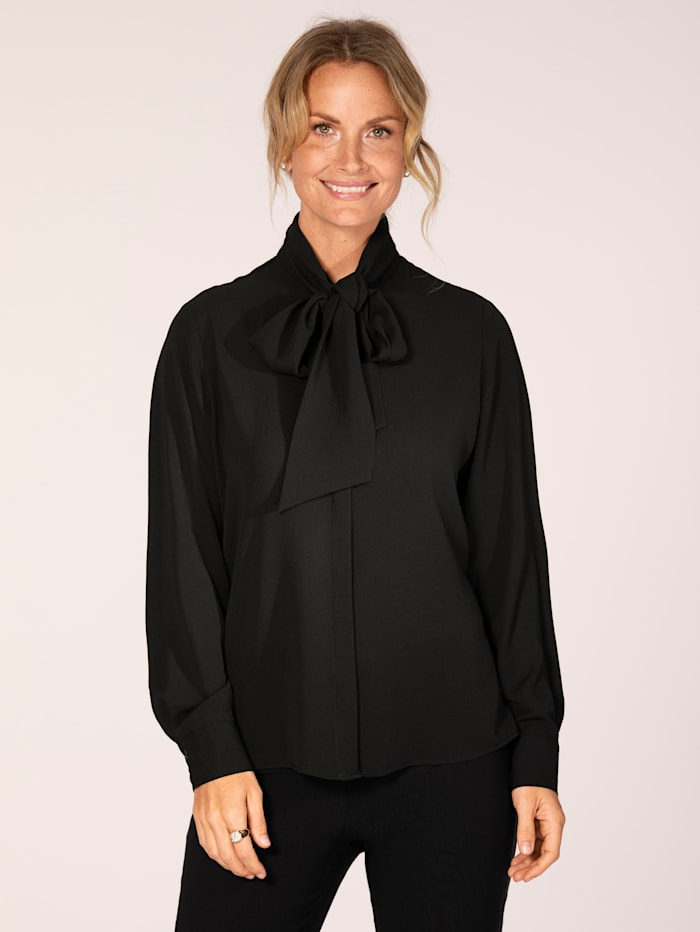 Tie neck blouse in a versatile design