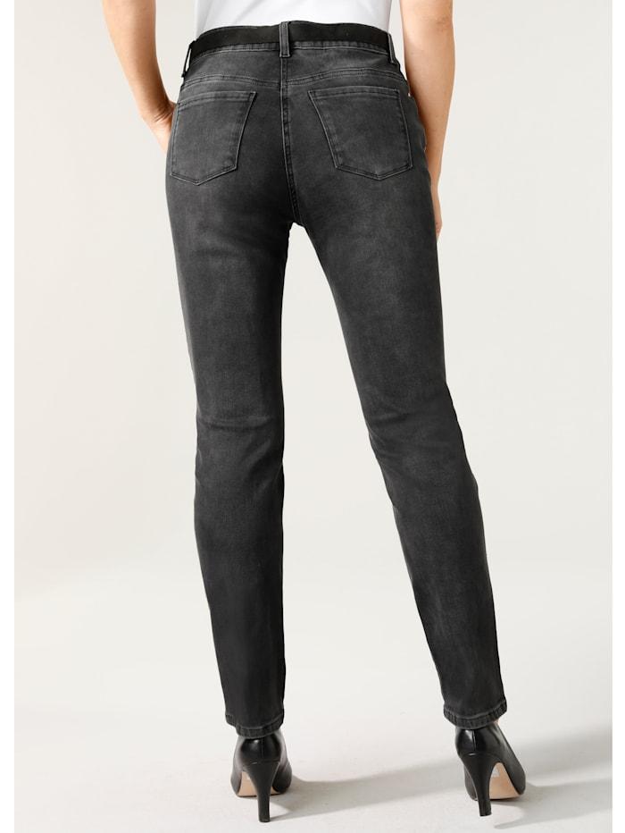 Jeans mit funkelnden Ziersteinchen