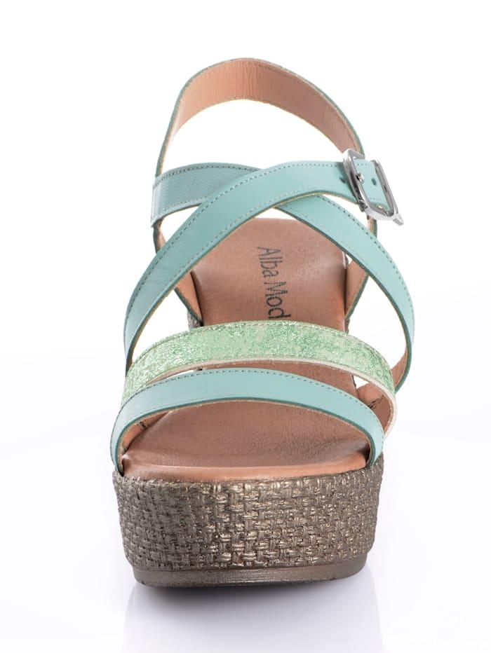 Sandalette mit Keilabsatz in effektvoller Optik