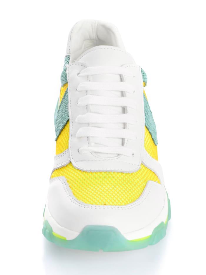 Sneaker mit Netzmaterial