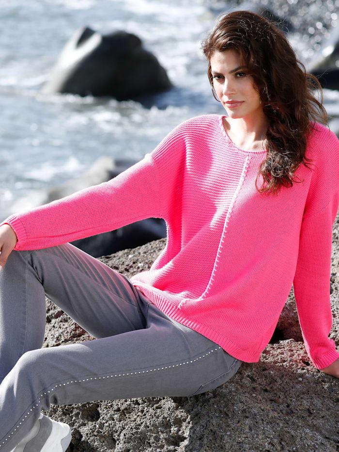 Pullover mit verschiedenen Strickoptiken