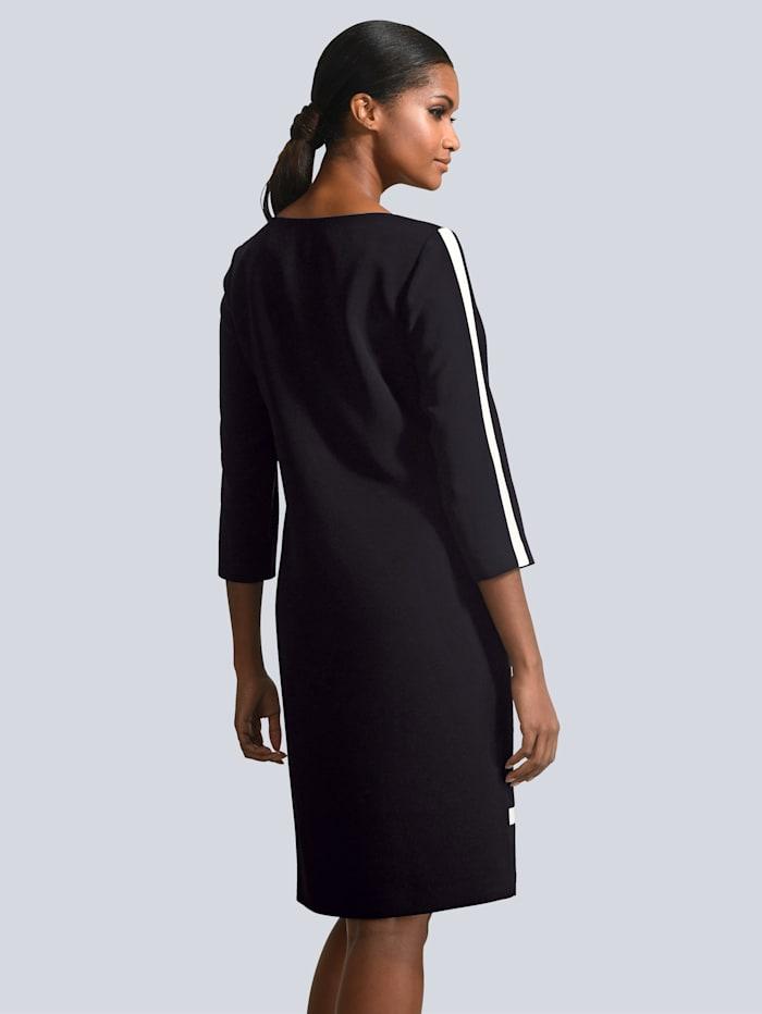 Kleid mit Blenden