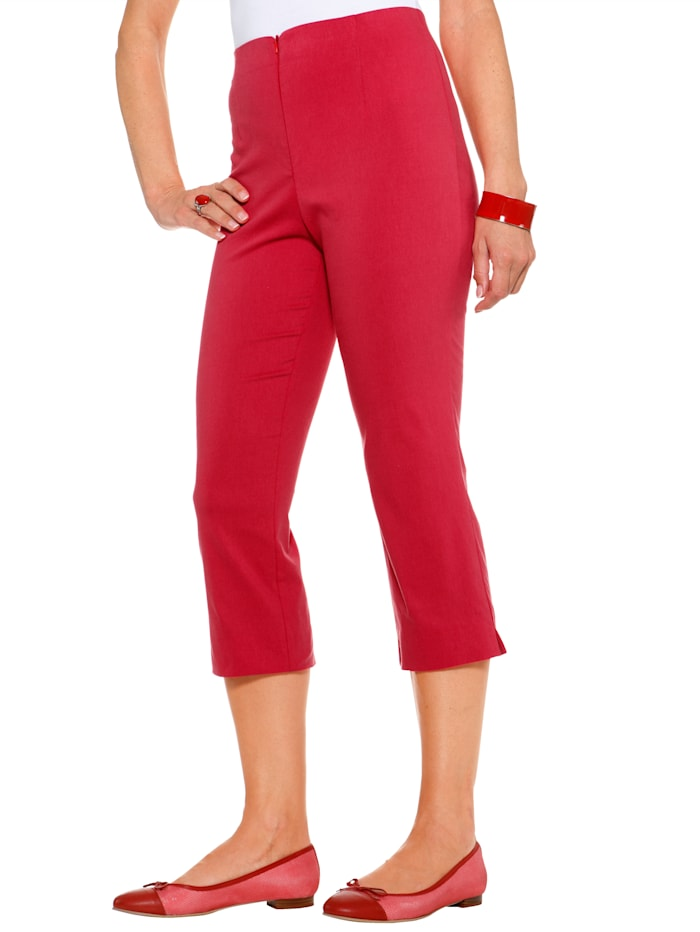 Pull-on trousers made from a comfortable cotton blend