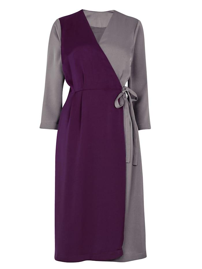Kleid im Wickel Look
