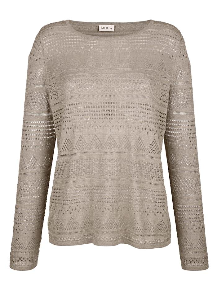 Pullover aus Ajourstrick