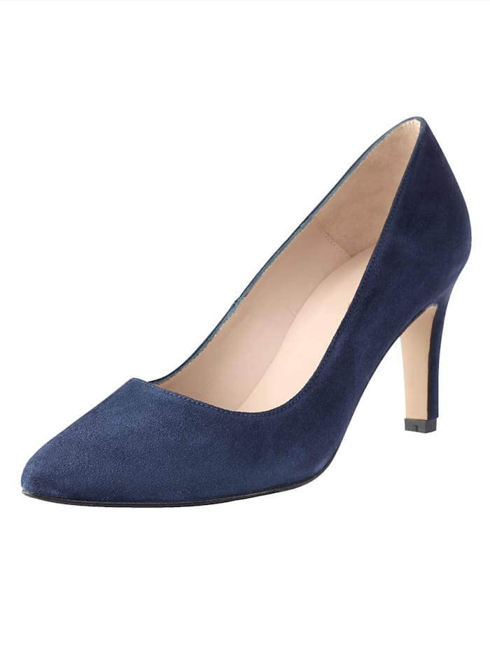 Court Shoes Timeless design