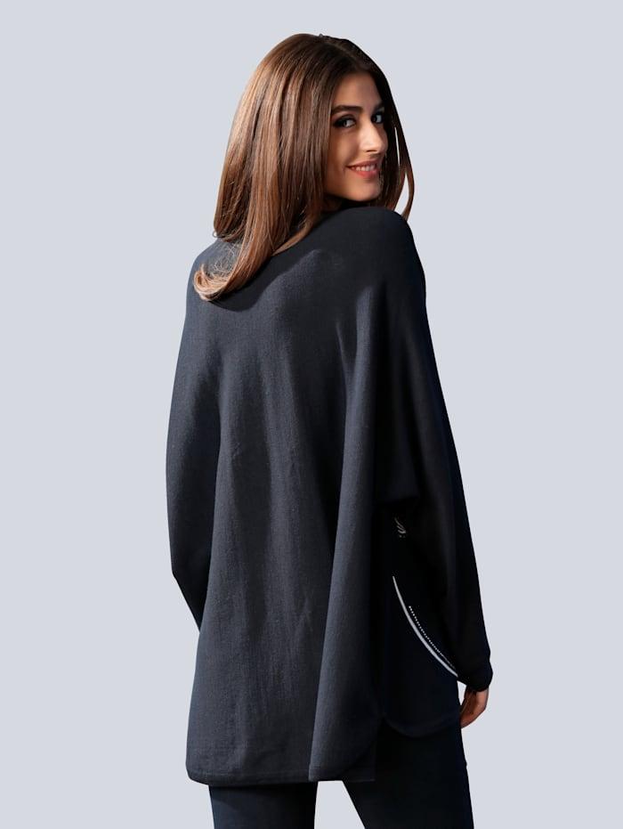 Pullover mit aufwändiger Stickerei