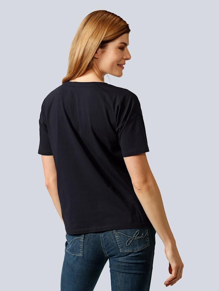 Shirt mit Motiv auf dem Vorderteil