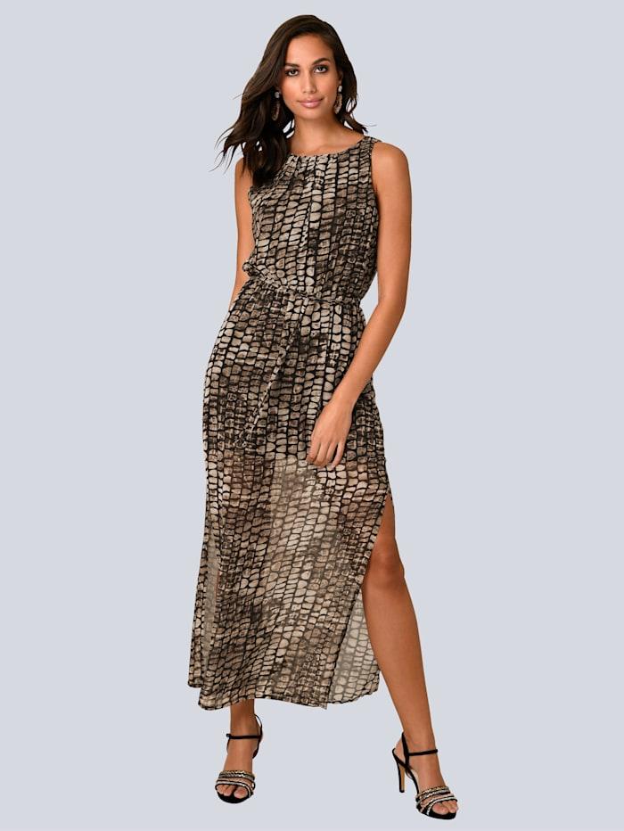 Kleid mit langen Seitenschlitzen