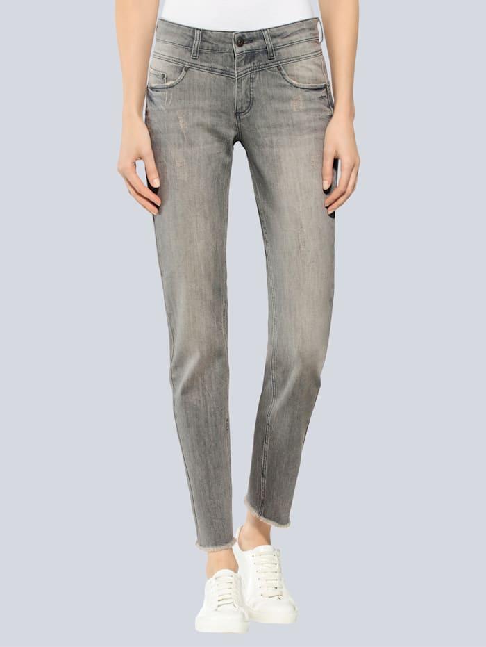 Jeanshose mit ausgefranstem Saum