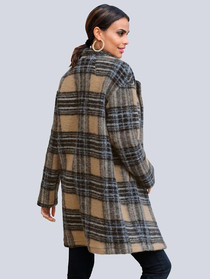 Kabát s károvaným vzorem