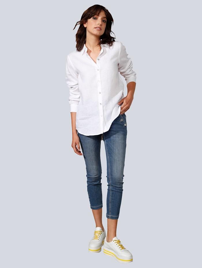 Jeans mit großen Knöpfen