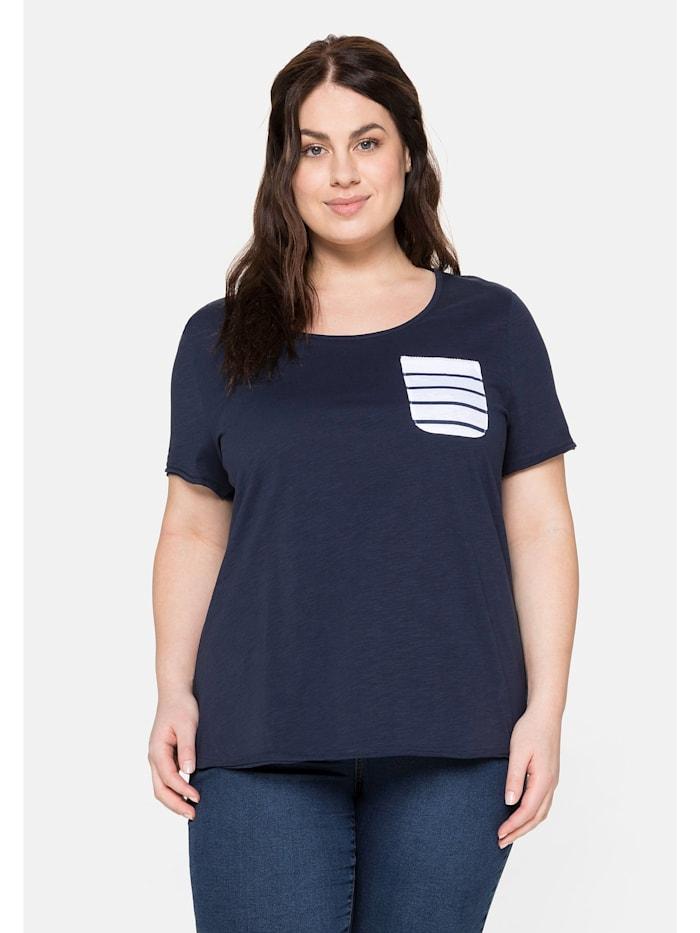 Sheego T-Shirt aus Jersey mit gestreifter Brusttasche, marine