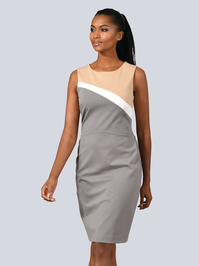 Kleid in eleganter Farbstellung