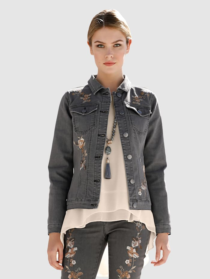 Džínsová bunda s kvetinovou výšivkou na prednom diele