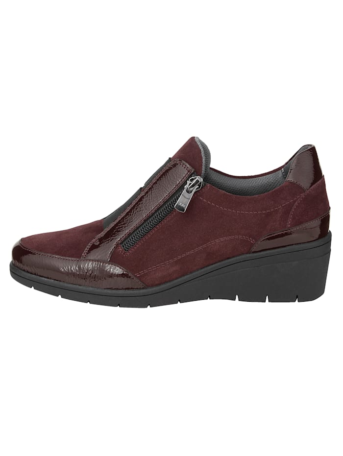 Slip-on shoes made from premium leather