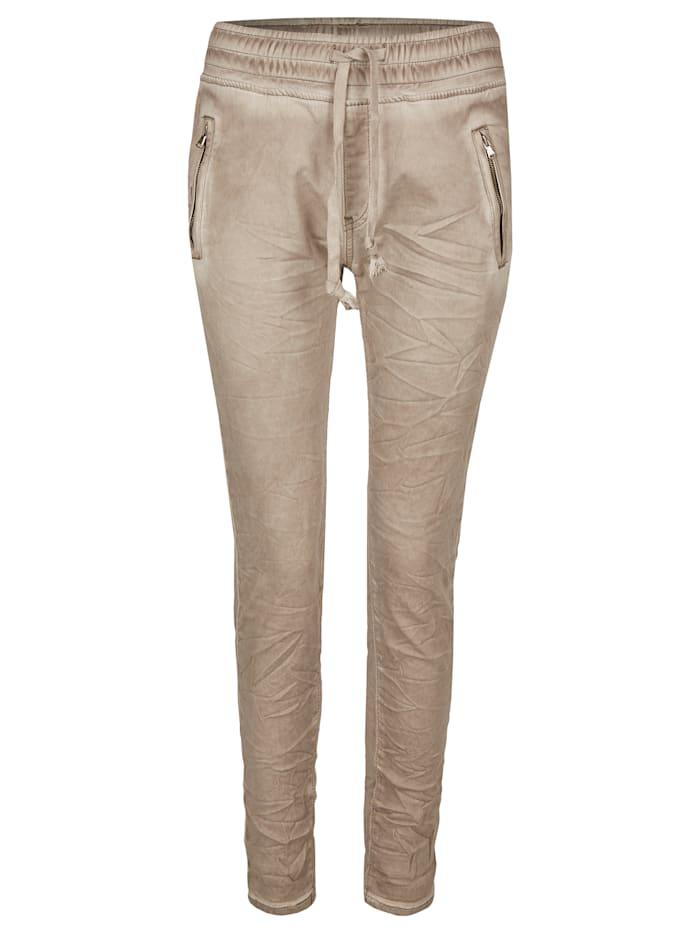 Heimatliebe Jeans im Knitterlook, grau