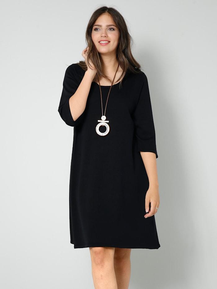 Strick-Kleid