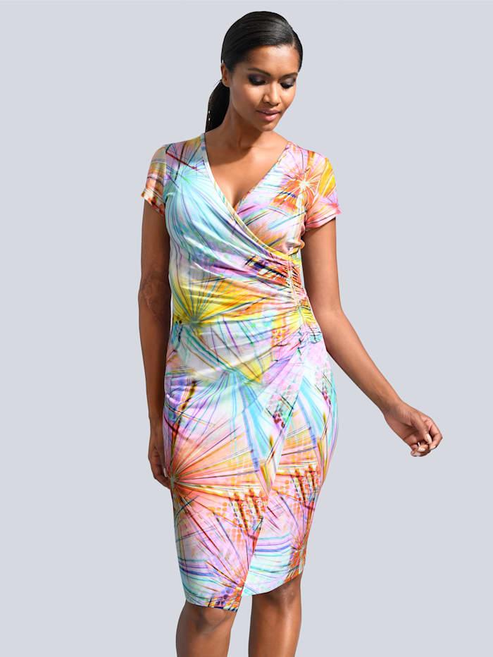 Kleid im sommerlichen Druck allover
