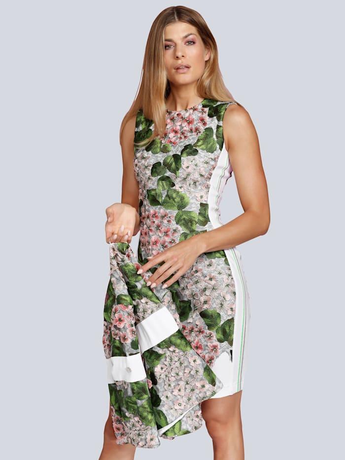 Kleid mit edler Spitze und Stickereien bedeckt