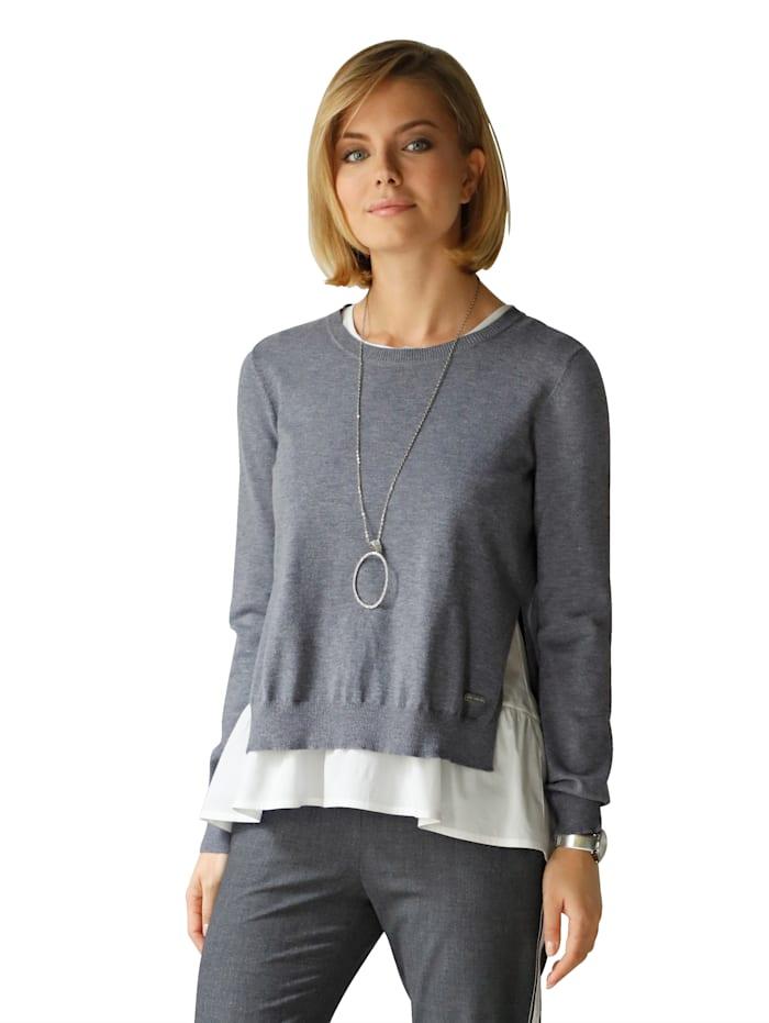 Pullover mit Schlitz in der hinteren Mitte