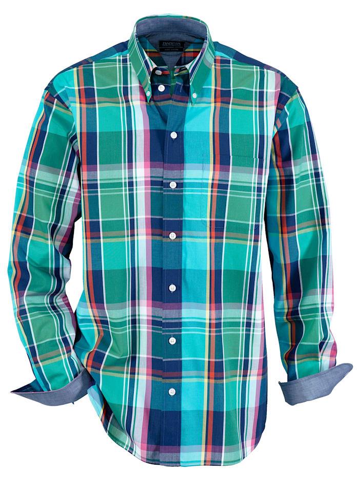 Hemd in harmonischen Aquafarben