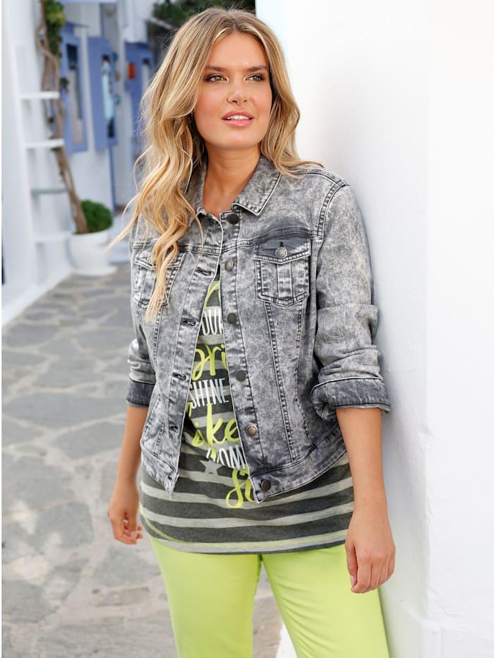 Jeansjacke in modischem Colordenim