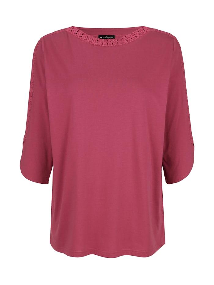 Tričko s pěkným krajkovým zdobením