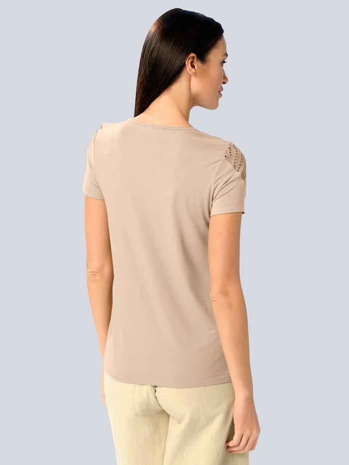 Shirt mit Lochsticker