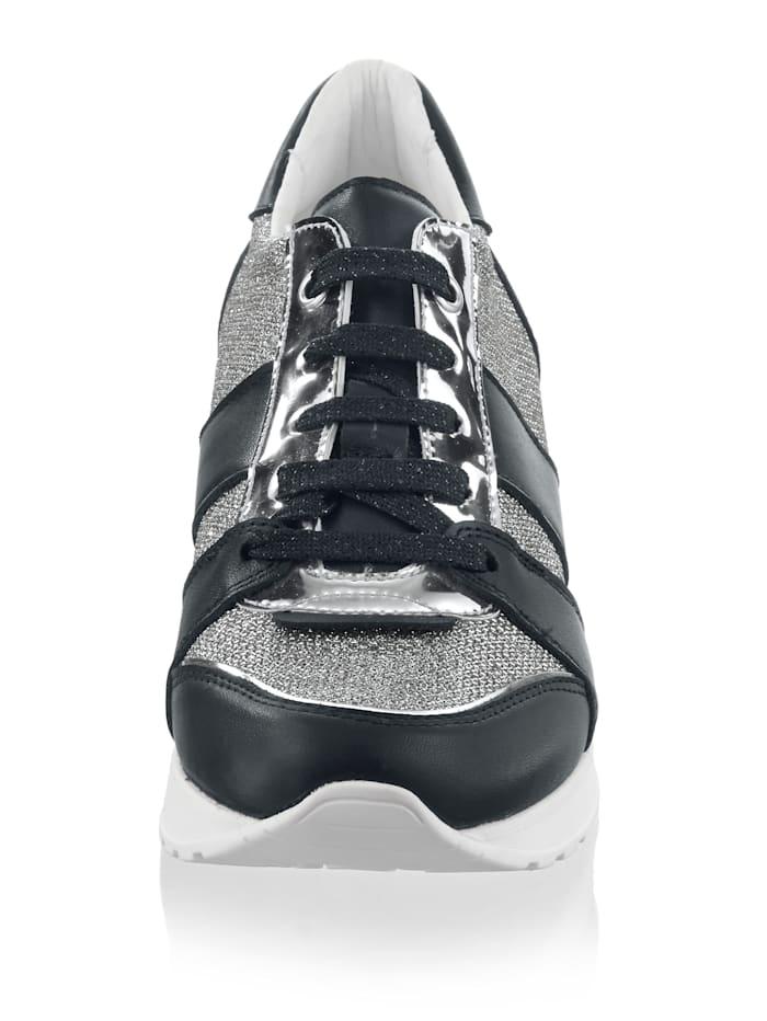 Sneaker mit angenehmen Keilabsatz
