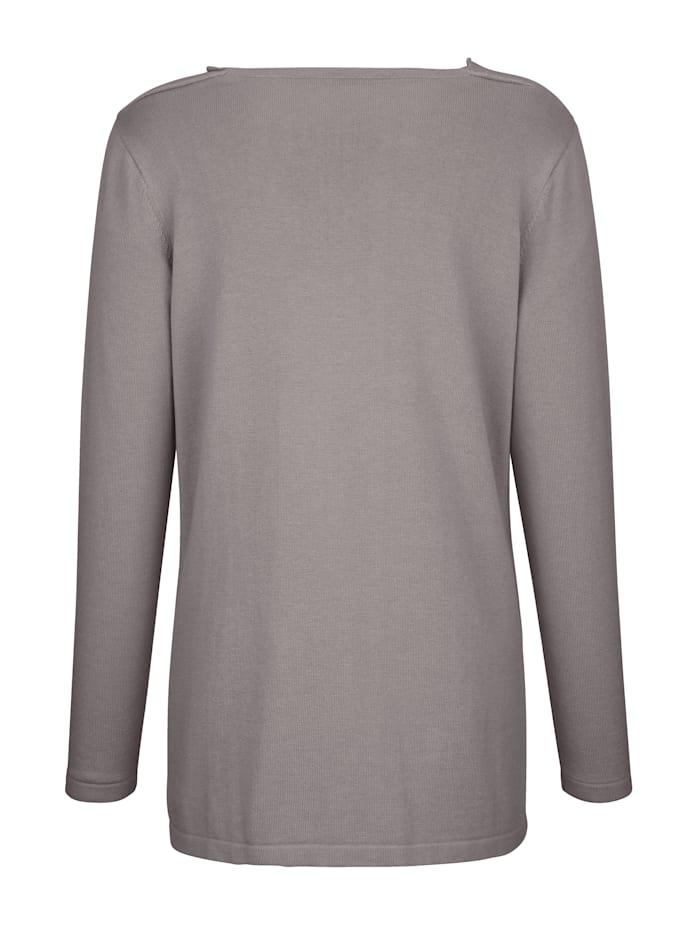 Pullover mit verschiedenen Strickarten