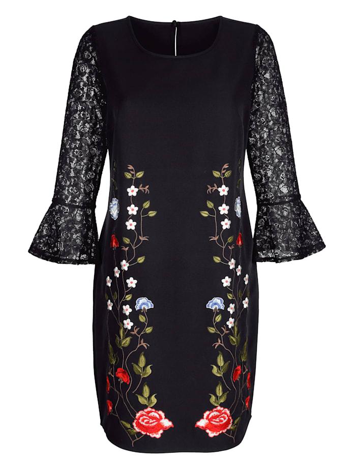 Kleid mit filigraner Blumen-Stickerei