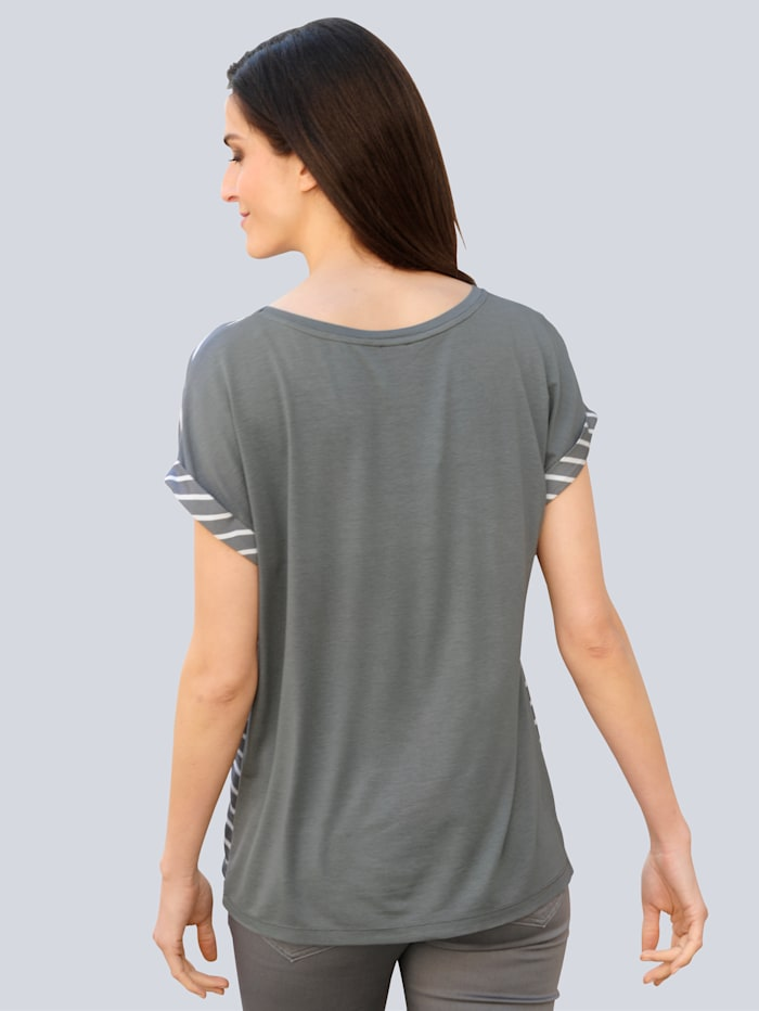 Tričko s módnymi prúžkami