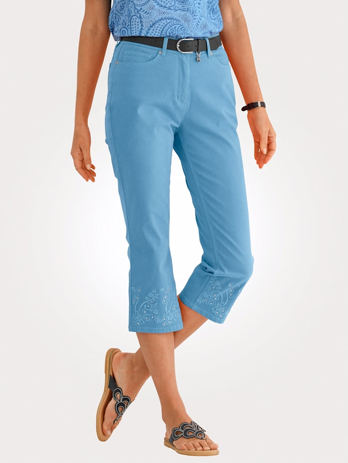 Capri jeans with rhinestones and embroidery