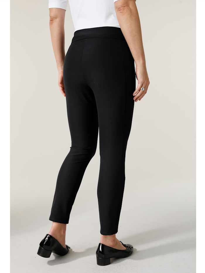 Trousers with a slim leg
