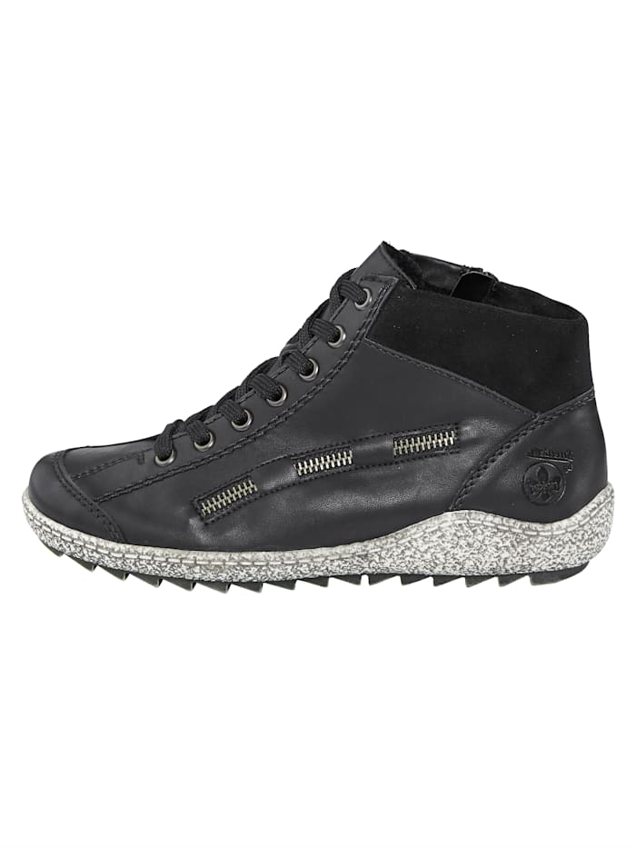 Ankle boots in a sportystyle