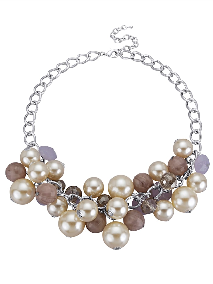 Eye-catching necklace