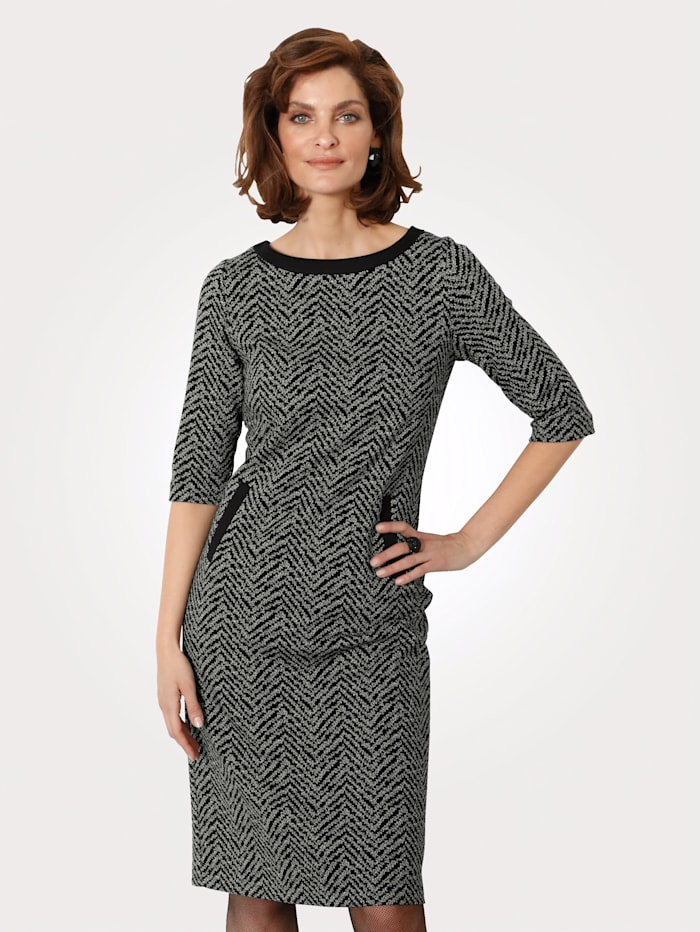 Jersey dress in a graphic jacquard pattern