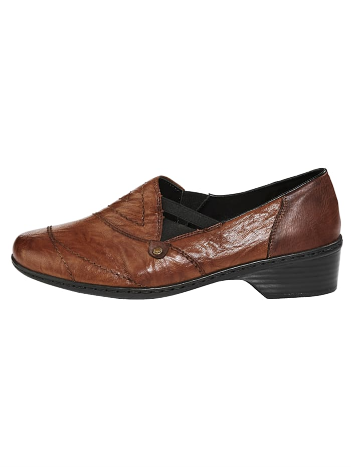 Slip-on shoes with exquisite design